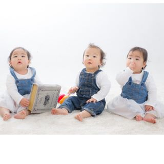 1548936029 aym66.triplets